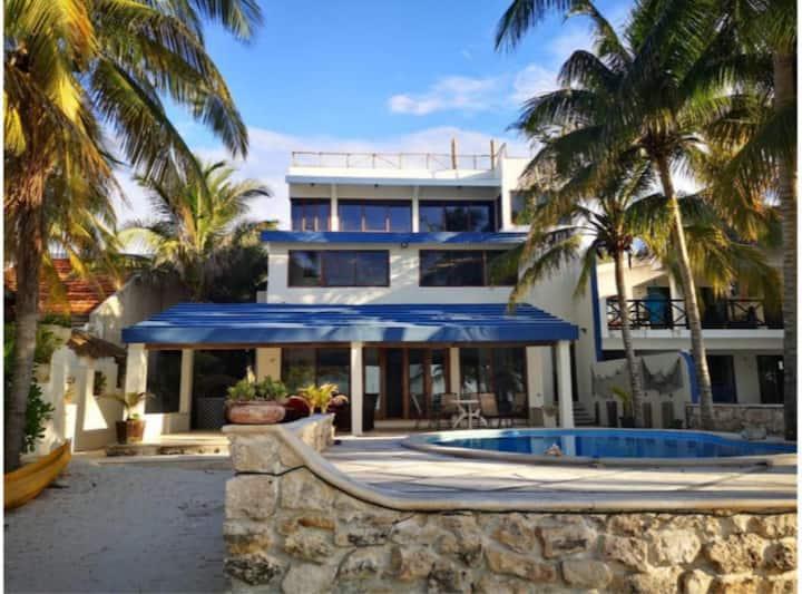 Casa frente al mar en la playa de Uaymitún