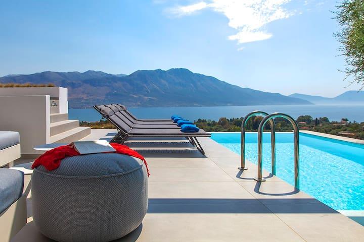 Stuning Villa In Paleros With PrivatePool&SeaViews