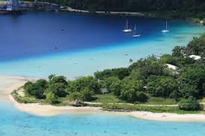 In-Di-Go, just 55 metres to the waters edge. - Port Vila - House