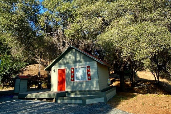 Mariposa Cabin 2k Acre Ranch views Lake Don Pedro