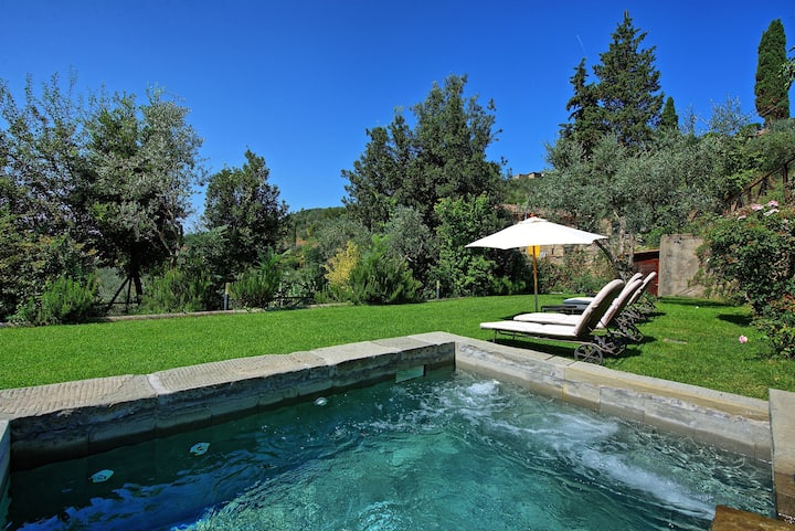 Villa Calcinaio - Holiday Country Villa with swimming pool in Cortona