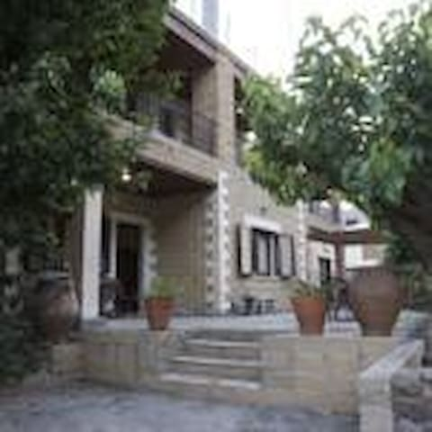 Elia Theriso Maisonette - Theriso - Hus