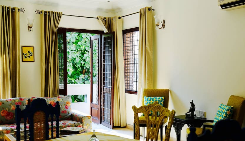 The Golden Oriole's Sonchampa Room