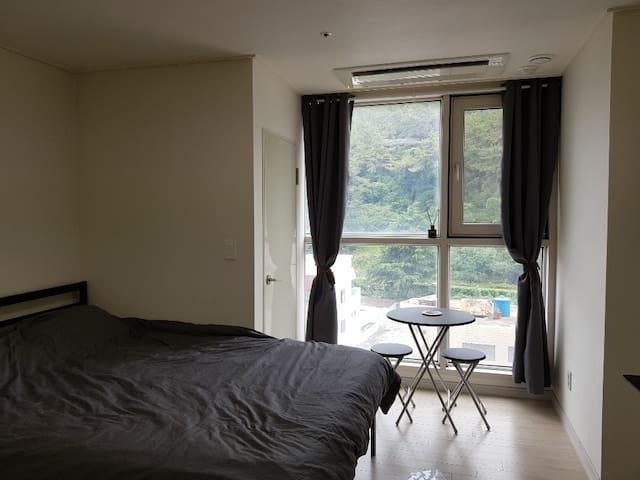 엄청편한침대!  PODO Room #2 (haeundae beach 5min!)