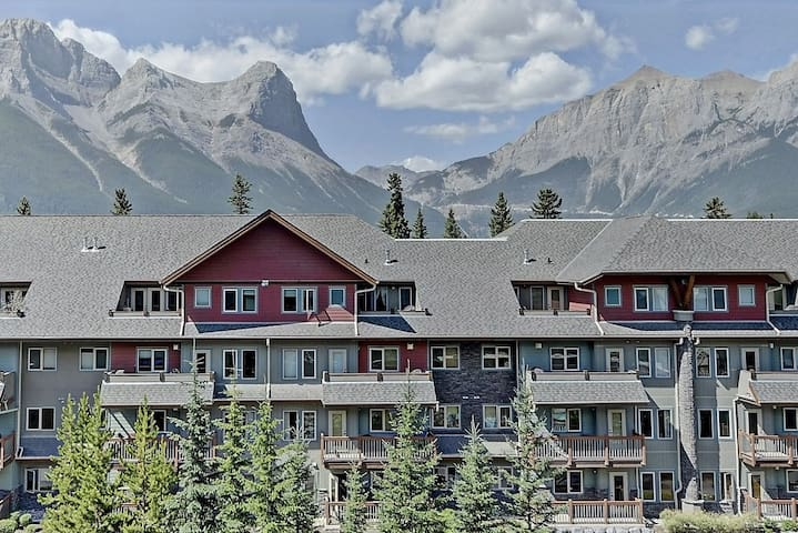 Two bedroom Condo in the Lodges at Canmore