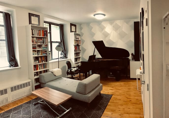 1 BR with Steinway Grand Piano (30 Day Min)