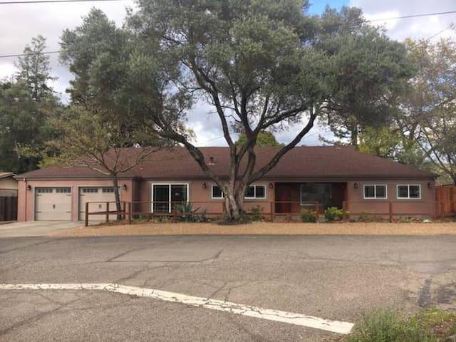 Daniel's Magical Sonoma Treasure House Retreat