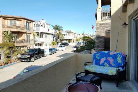 Good Vibes & Tides - Hermosa Beach