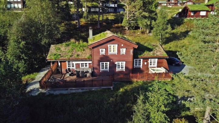 Hytte med boblebad/spa, ski inn/ut topp beligenhet