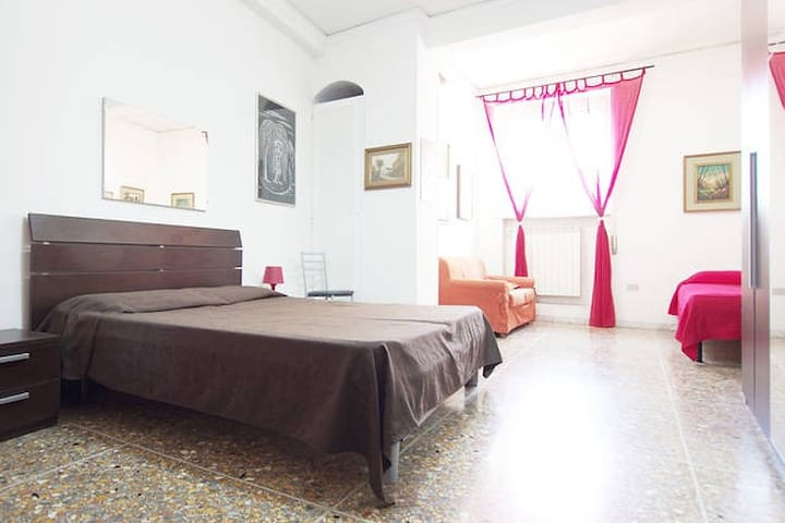 Nice & Comfortable Private Room @ Rome Center N°4!