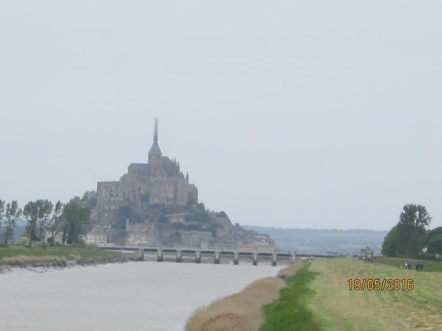 Chambre baie du mont saint michel chambres d 39 h tes for Chambre d hotes basse normandie