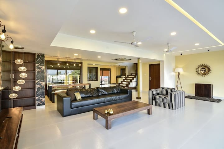 LUXURY 2BED, 3 BED, 4 BED VILLA  NORTH GOA