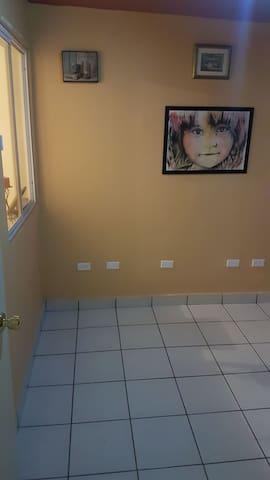 """Foro de arte y casa de huéspedes """"formas"""""""