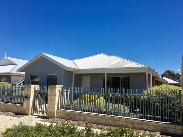Yanchep Beach House - A Home from Home - Yanchep