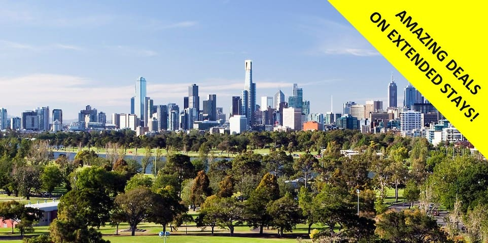 St Kilda 2BD AMAZING Park+City views *WIFI+PARKING
