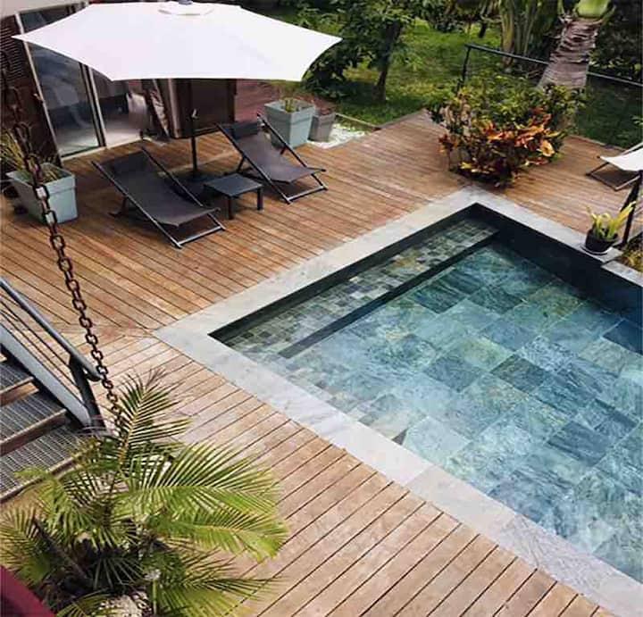 Sud-Ouest, La villa ananas **** Charme tropical