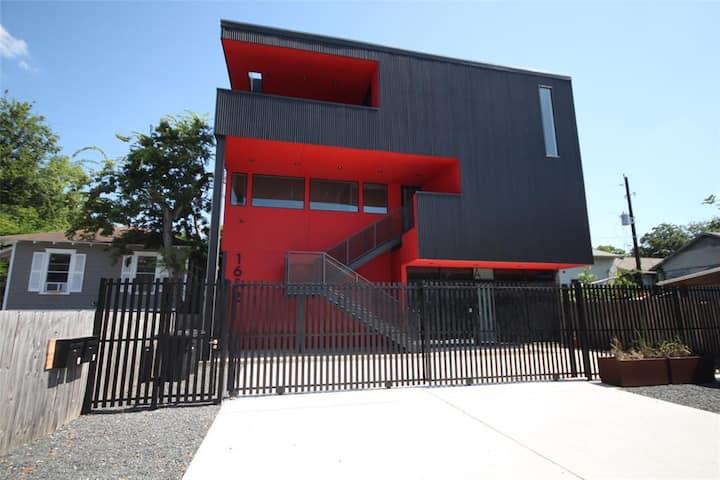Ultra-Modern Living Space B Montrose