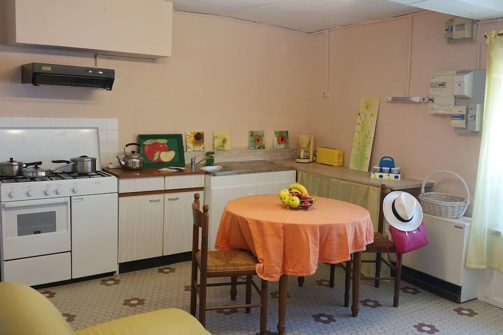 Kitchen/living room.