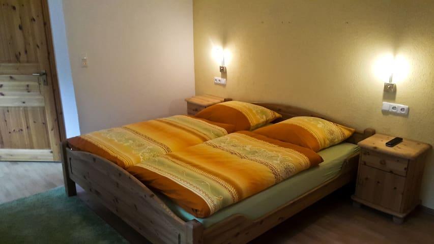 Doppelzimmer (2) Siloh Ranch - Blankenheim - Bed & Breakfast