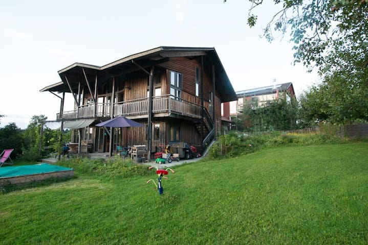 Individual Eco-Countryhouse - Gstadt am Chiemsee - Hus
