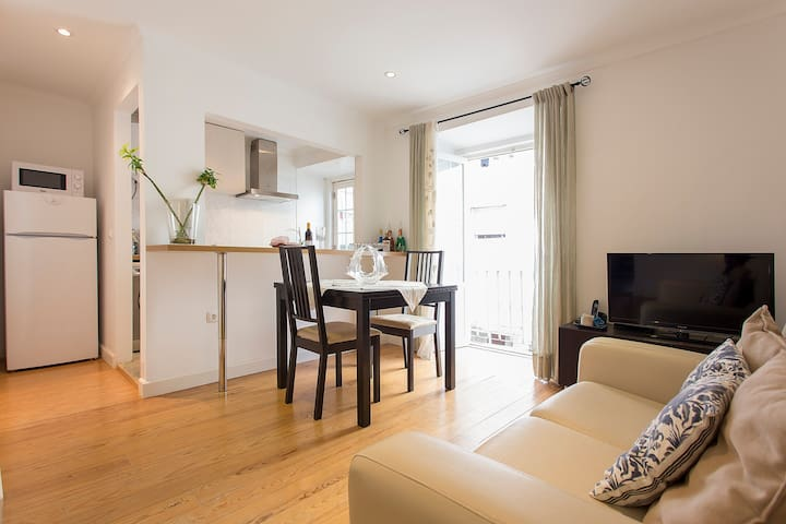 Bright Apartment in the Soul of Lisbon