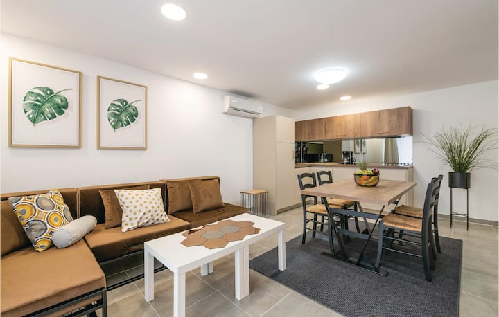 Awesome apartment in Fazana with WiFi and 1 Bedrooms