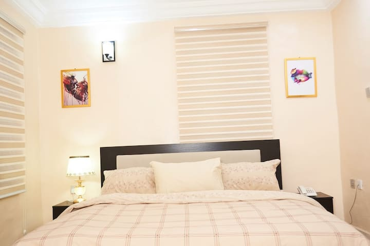 Furnished and fully serviced studio apartment