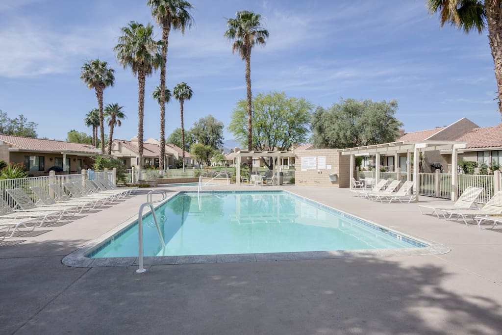 Enjoy access to a shared pool and hot tub.