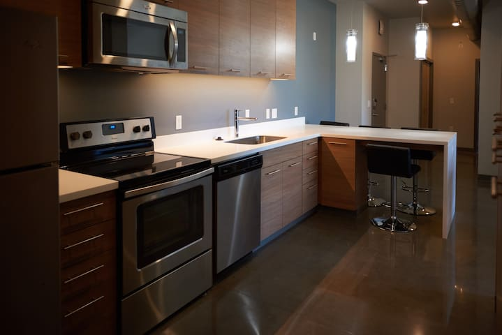 theVUE   1 to 4 Bedroom  NEXT LEVEL LIVING near OU