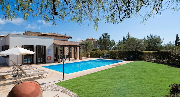 Villa Dionysus with lovely outside space and views