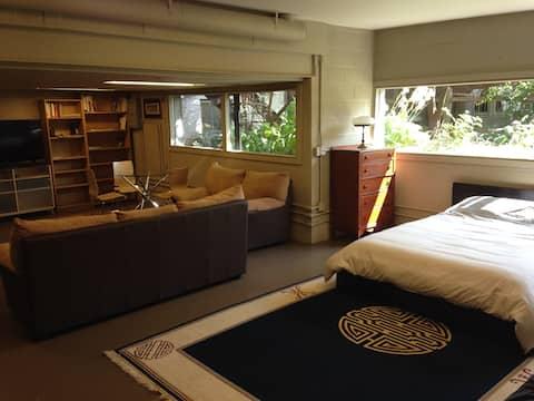 Amazing, spacious, bright Garden Suite