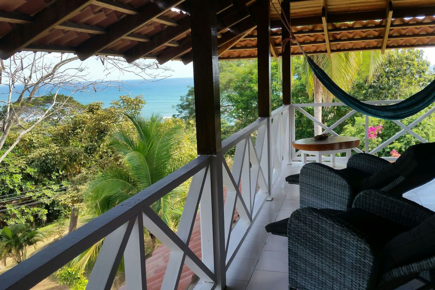 Relax, unwind & enjoy the serenity of tropical paradise while staying @ the treehouse loft