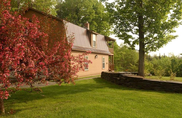 Private Guesthouse on 400 Acres