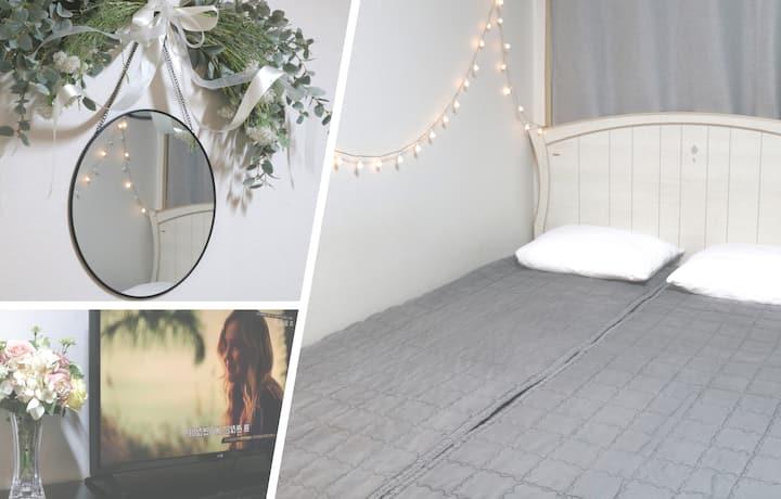 New Open SALE♥Hongdae Simply Guest Room