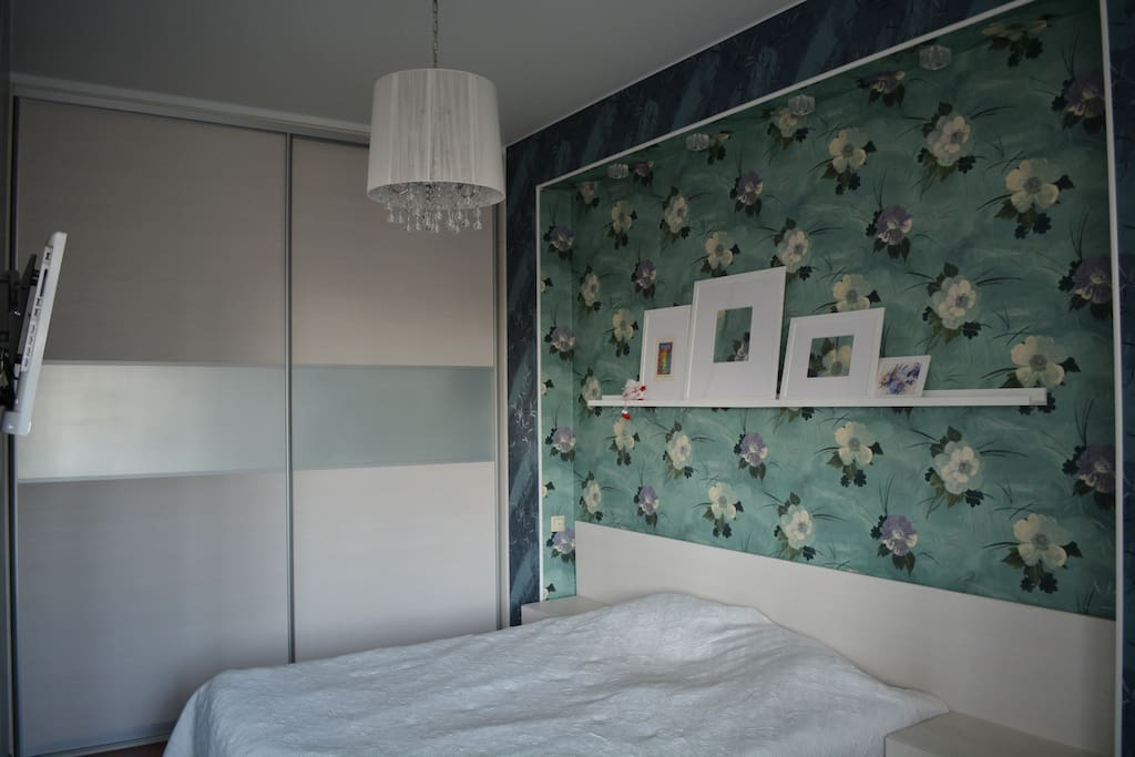 Bedroom (спальня)