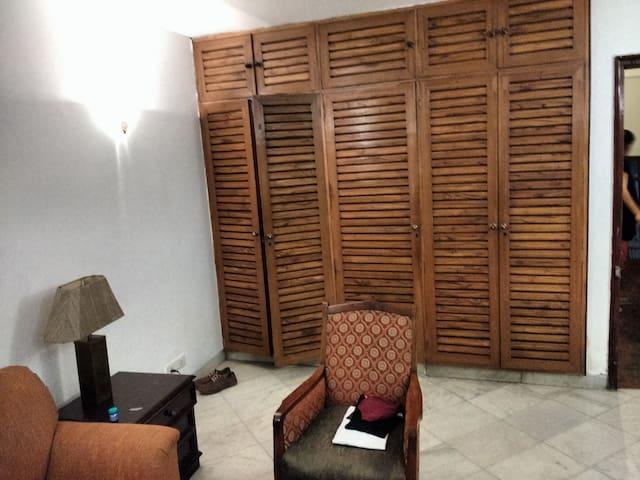 Prime located b&b in GK2 for 4 - Neu-Delhi - Bed & Breakfast