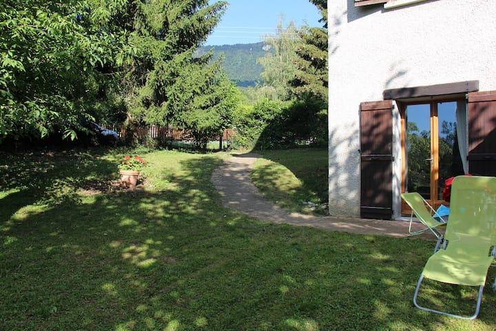 Grand T2 (68m2) avec jardin privatif pour 5/6