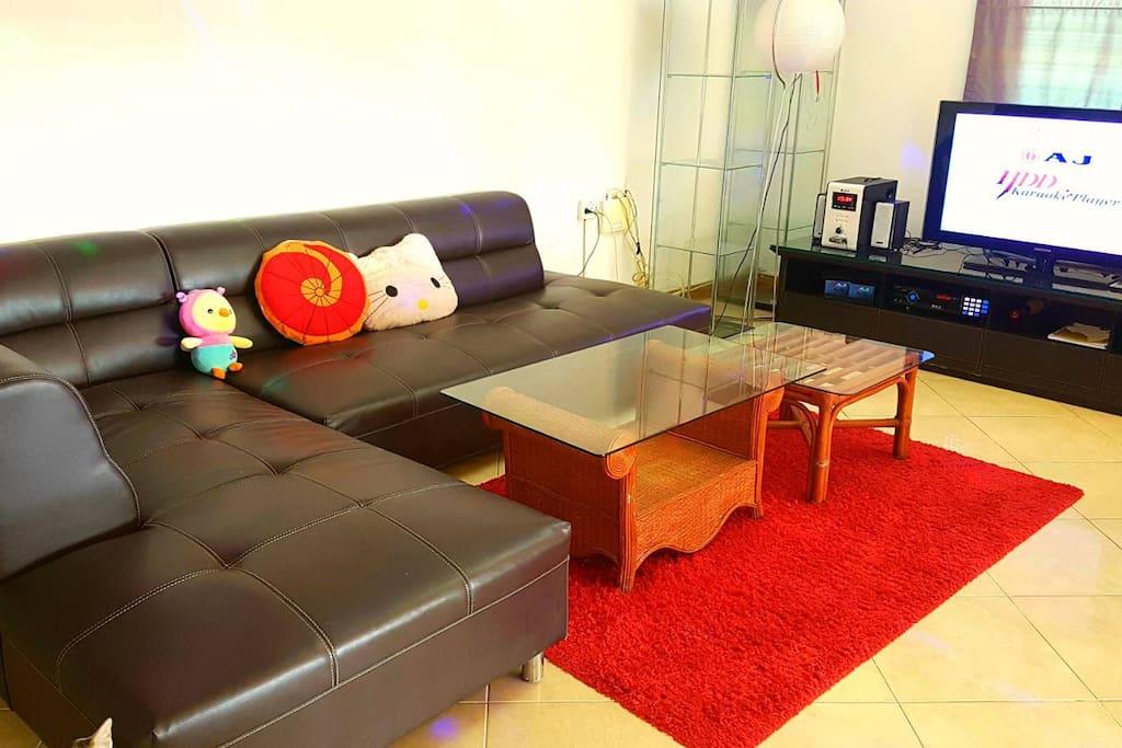 Living Room with TV / Karaoke Machine / Pool Table