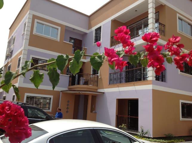 Appartement tout confort meublé à Bastos Yaoundé - Yaoundé - Daire