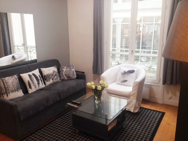 Etienne Marcel, Le Marais, 1 bedroom/ Paris center