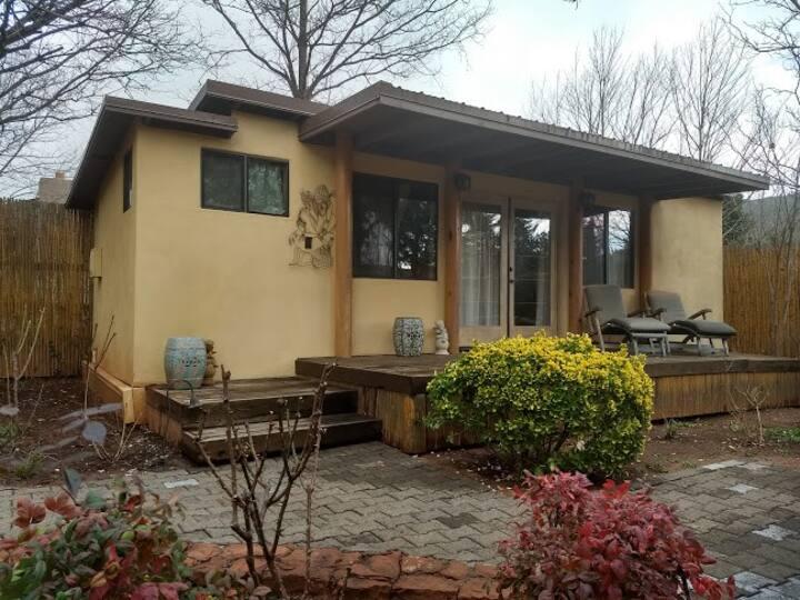 Tiny House - Studio B in the heart of West Sedona!