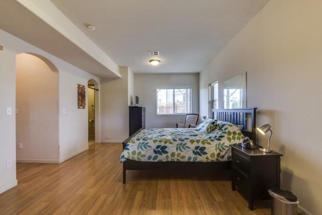 Corner Craftsman Master Bedroom Houses For Rent In Bend Oregon United States