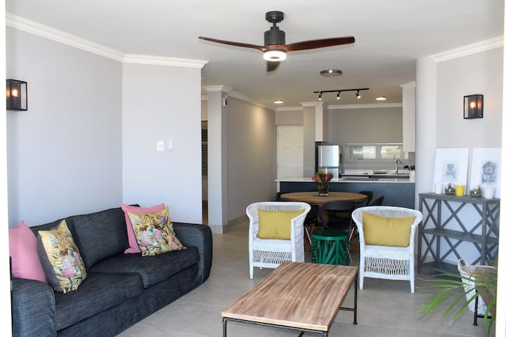 203 Cascades, Summerstrand Seaview apartment
