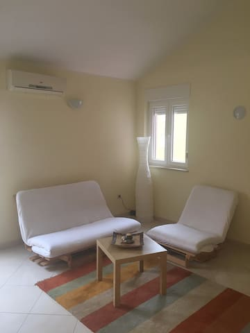 Very nice and bright apartment near sea - Novigrad - Pis