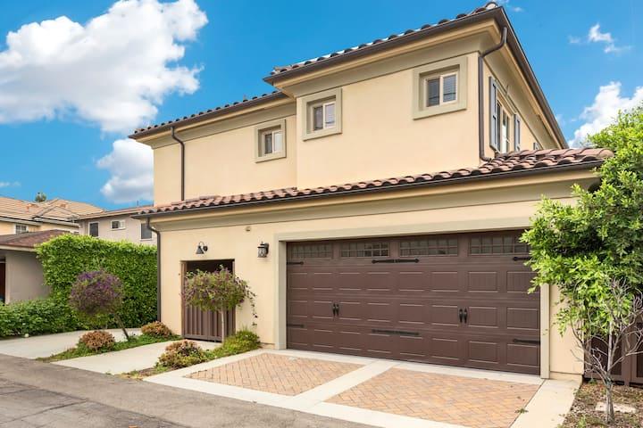 #8 Modern Luxury 3bed 3.5bath House