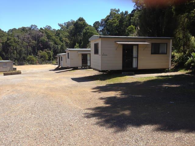 Basic Cabin  - Rosebery Cabin Park - Rosebery - Casa de campo