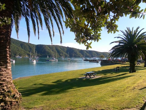 Highly rated B&B in Waikawa - perfect for a break