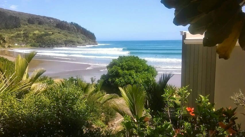 Self contained Bure - Ahipara