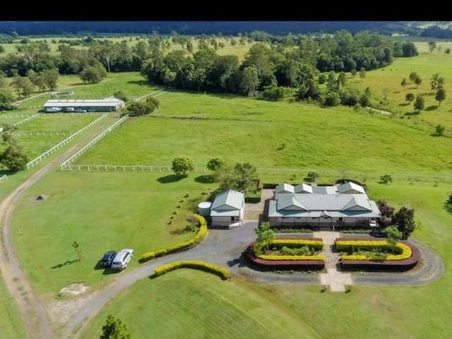 "THE ""STABLES"" farm stay property"