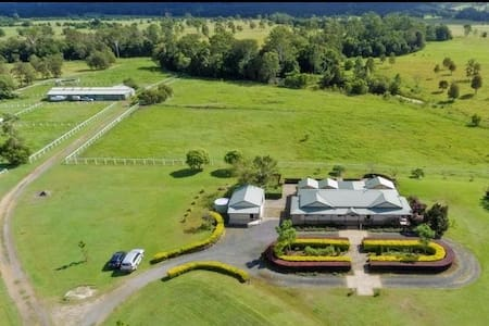 """THE """"STABLES"""" farm stay property"""